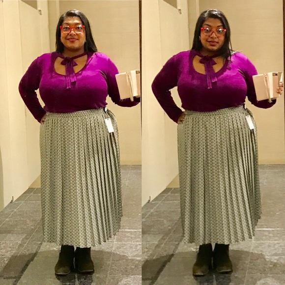 Vintage Dresses & Skirts - Long Maxi Pleated Skirt